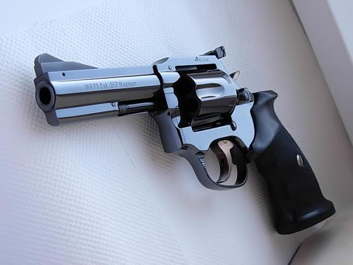 """""""the worlds finest combat revolver""""-manurhinmr73.jpg"""