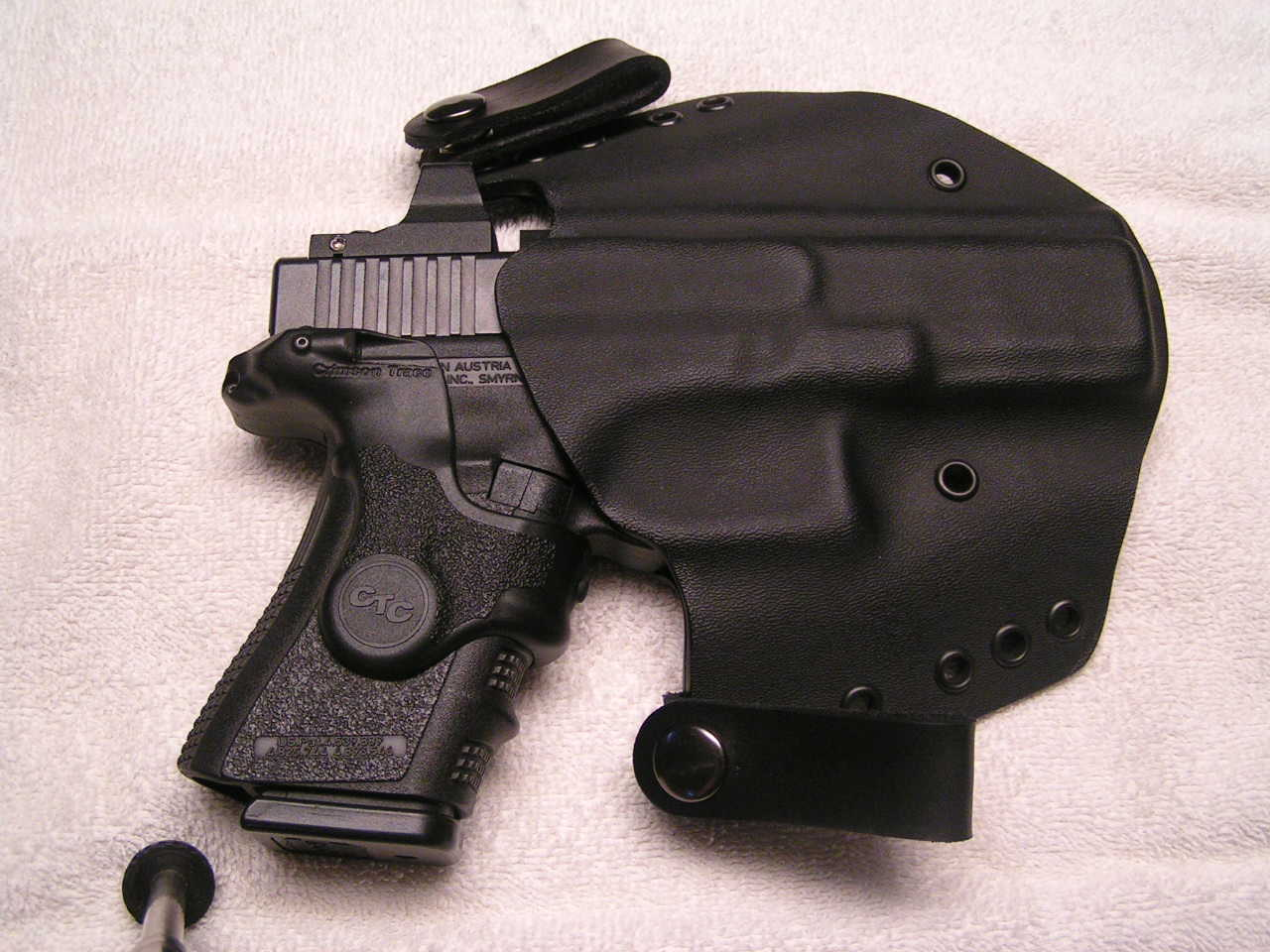 Glock 19 - 17 Photos...-midworld-17-holster-004.jpg