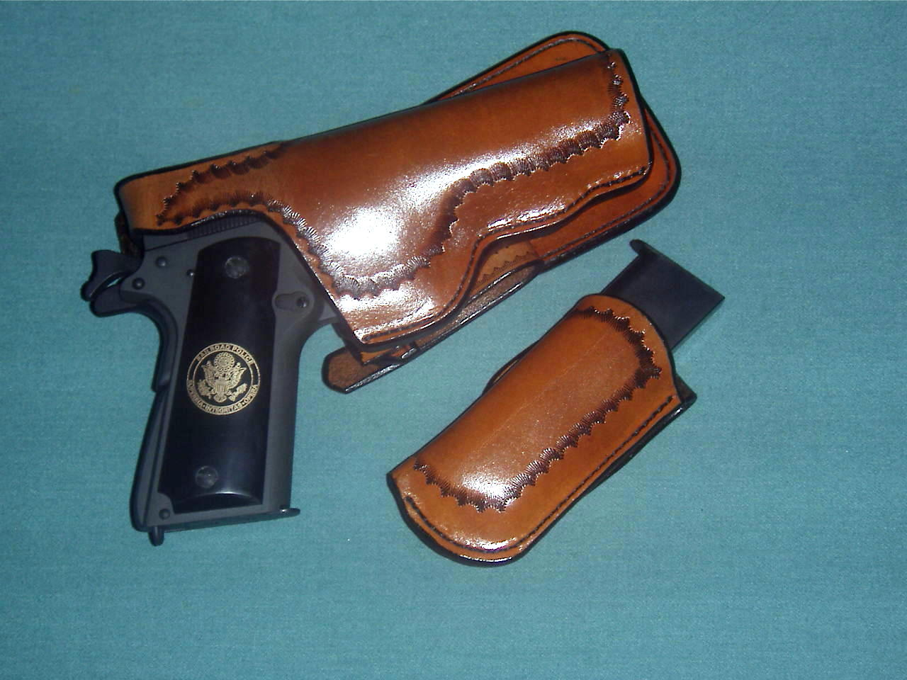 New holster, mag pouch and grips for Springfield .45 (GI)-mlna0009-2-.jpg