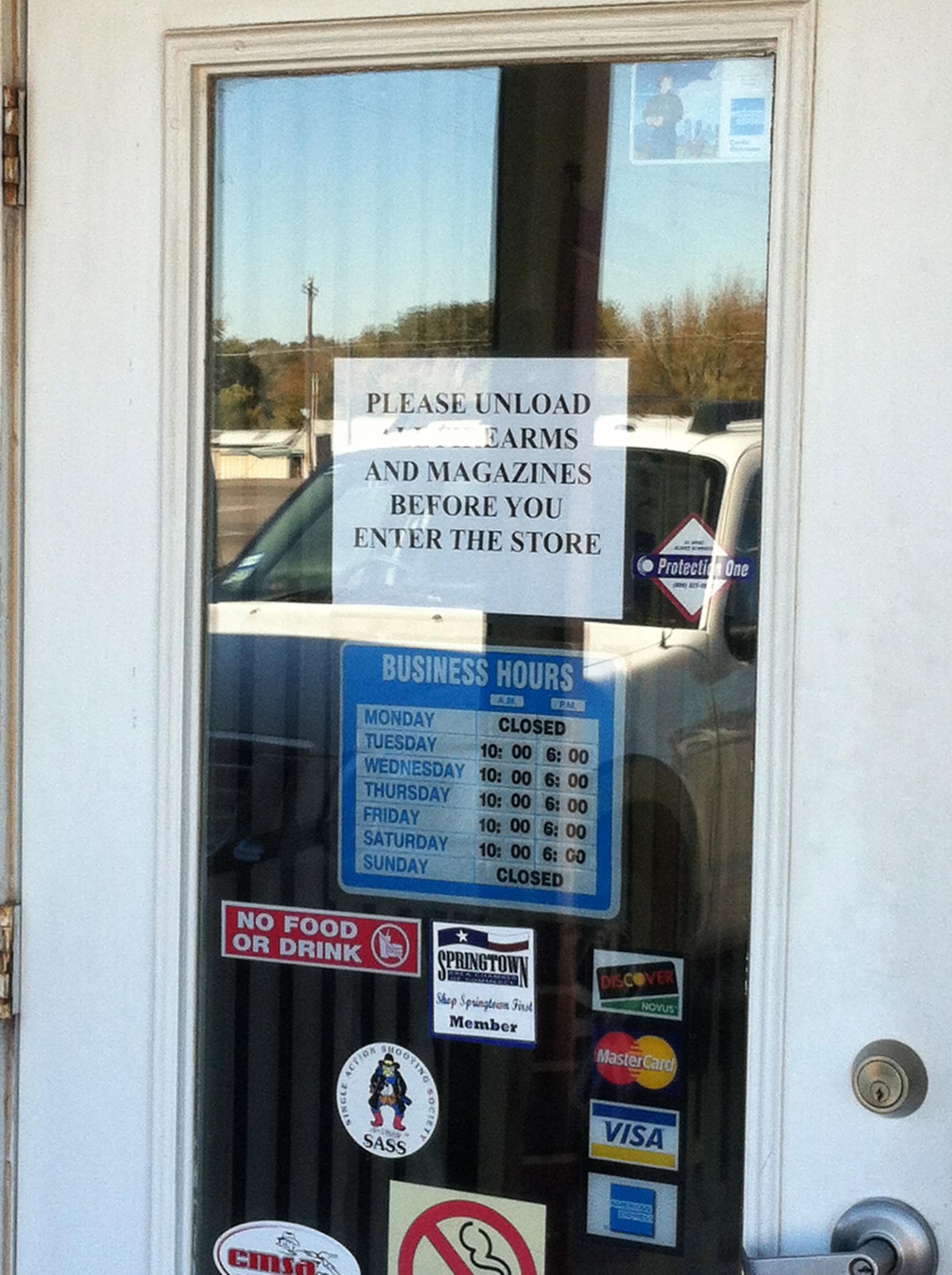 """My LGS has a new """"no guns"""" sign now.-no-gun-sign.jpg"""