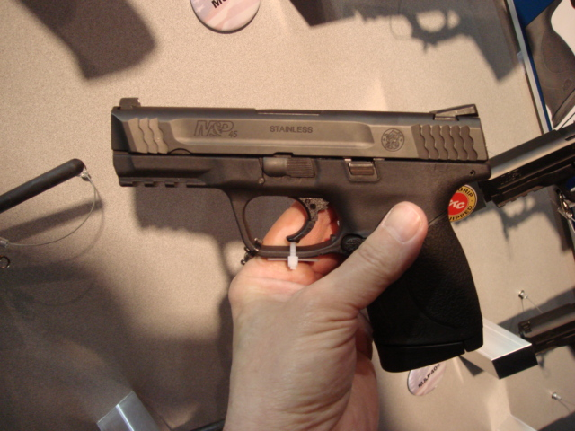 The M&P 45c (compact) is here-nra-convention-2008-louisville-004.jpg