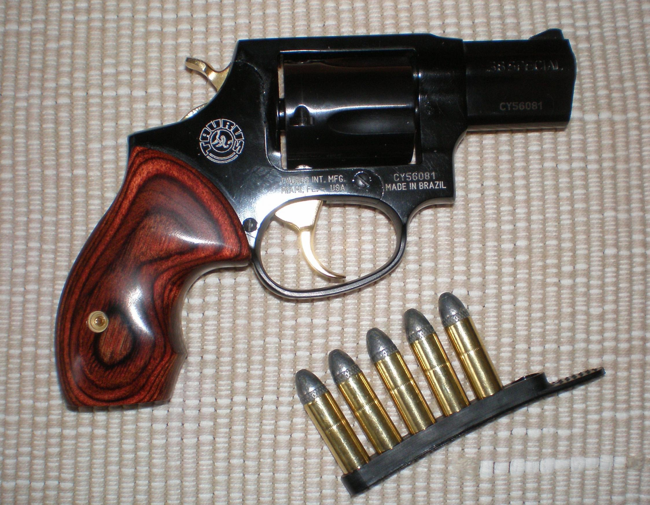 Here it is!  My 60th Birthday Present to me!! Blingy Taurus 85 Revolver!!-p5140010.jpg