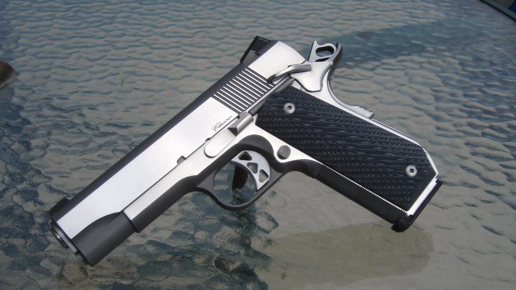 FS Dan Wesson 10mm CBOB package. Tampa-p6101351.jpg