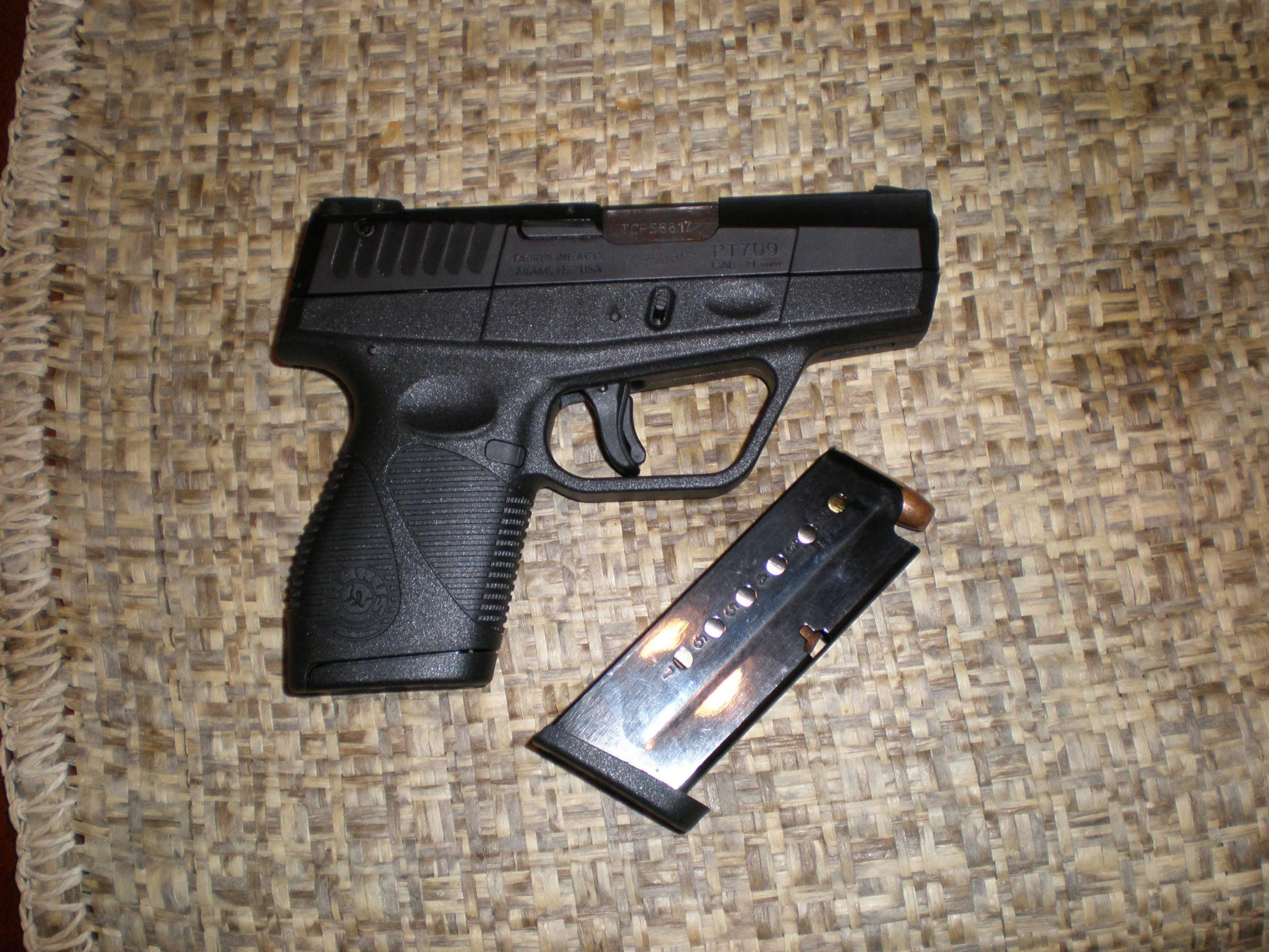 found perfect carry gun-p9190030.jpg
