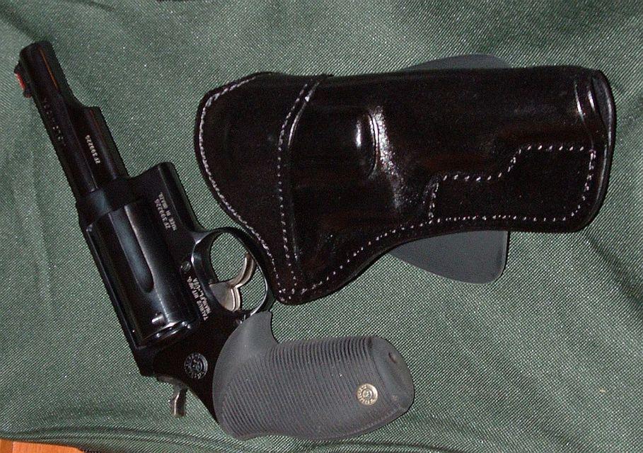 Taurus Judge shoulder or chest holster?-paddle-4.jpg