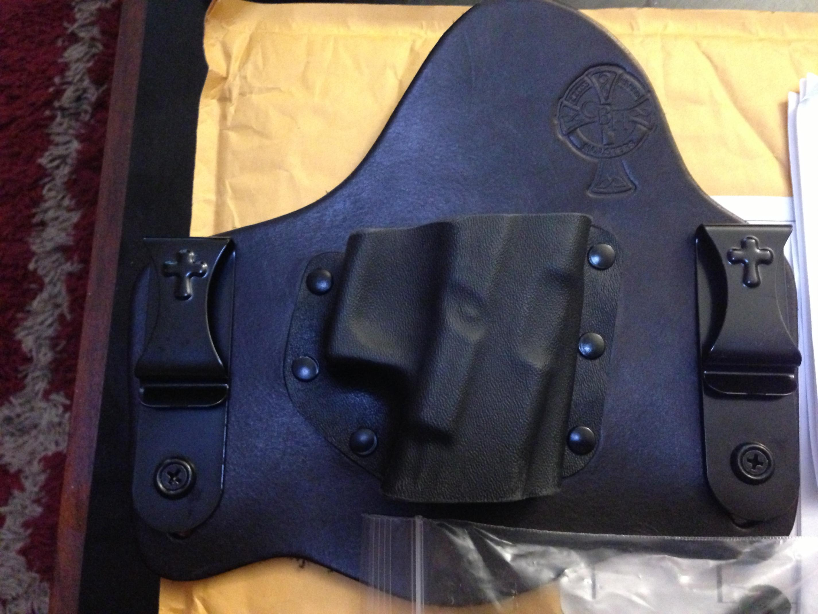 FS: New Crossbreed Holster for Glock : Milwaukee WI-photo-1-1-.jpg