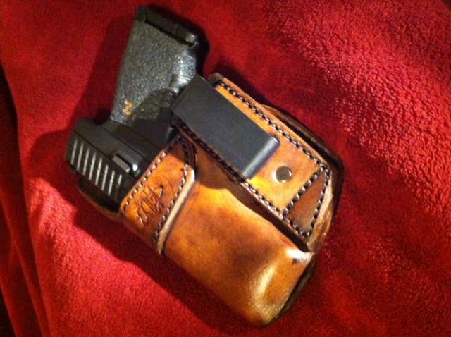 Brief tutorial on recognising a well-made holster-photo-2.jpg