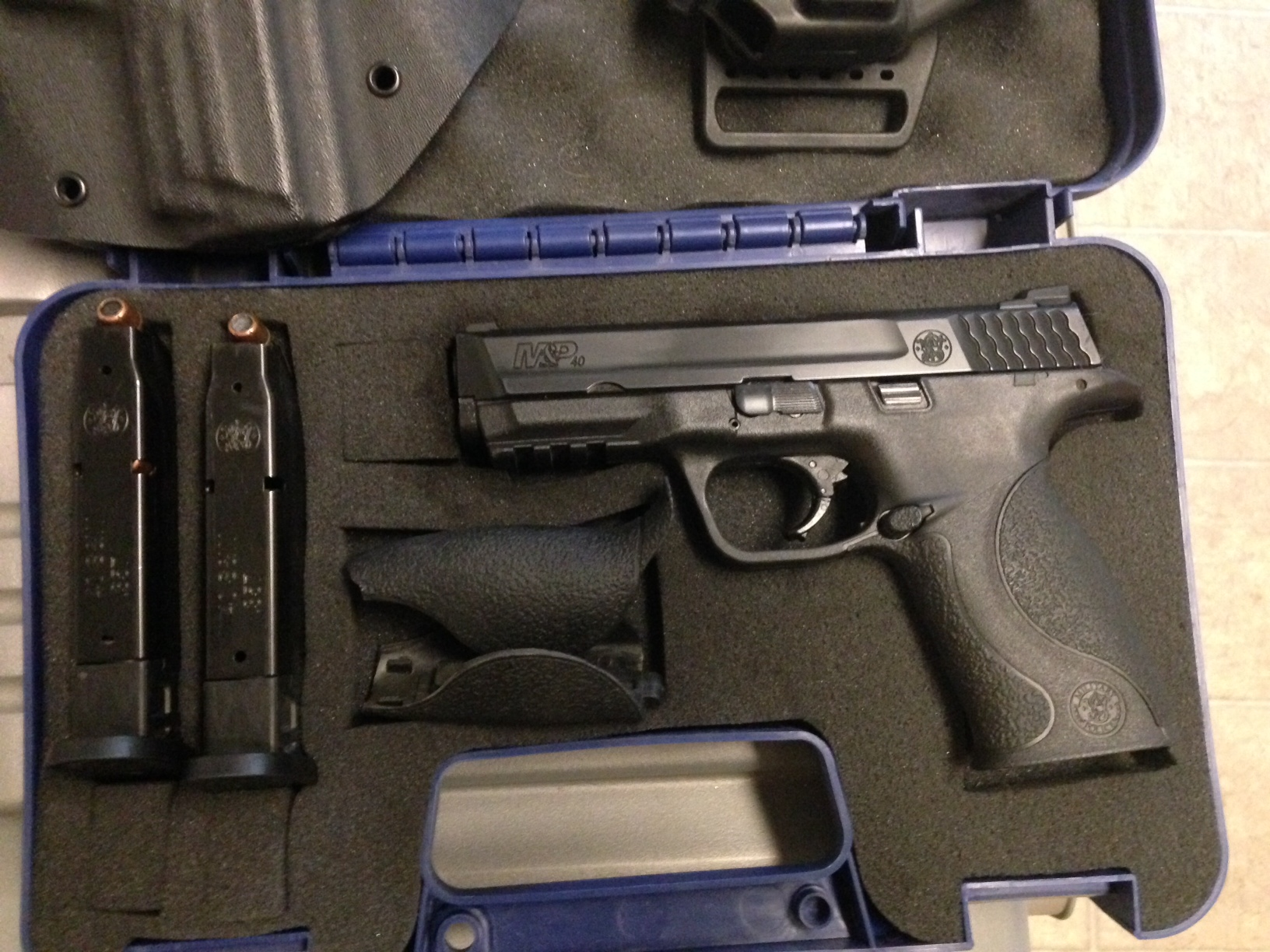 WTS  S&W M&P40 FS 5 OBO (Comes with Extras)-photo-4.jpg
