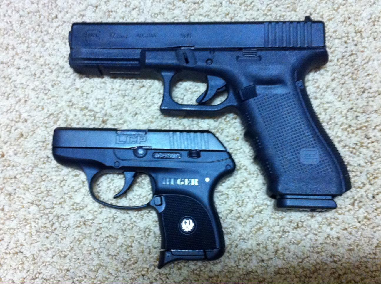 Are full sized Glocks really that hard to carry versus a compact one?-photo.jpg