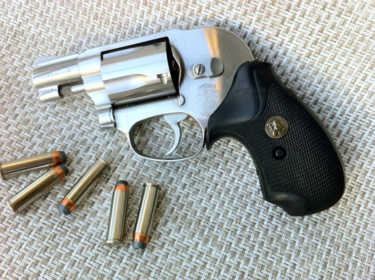 New Pachmayr Compac grips for 442-photo.jpg