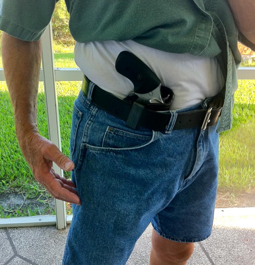 Ok, who actually carries a SP101?-photo.jpg