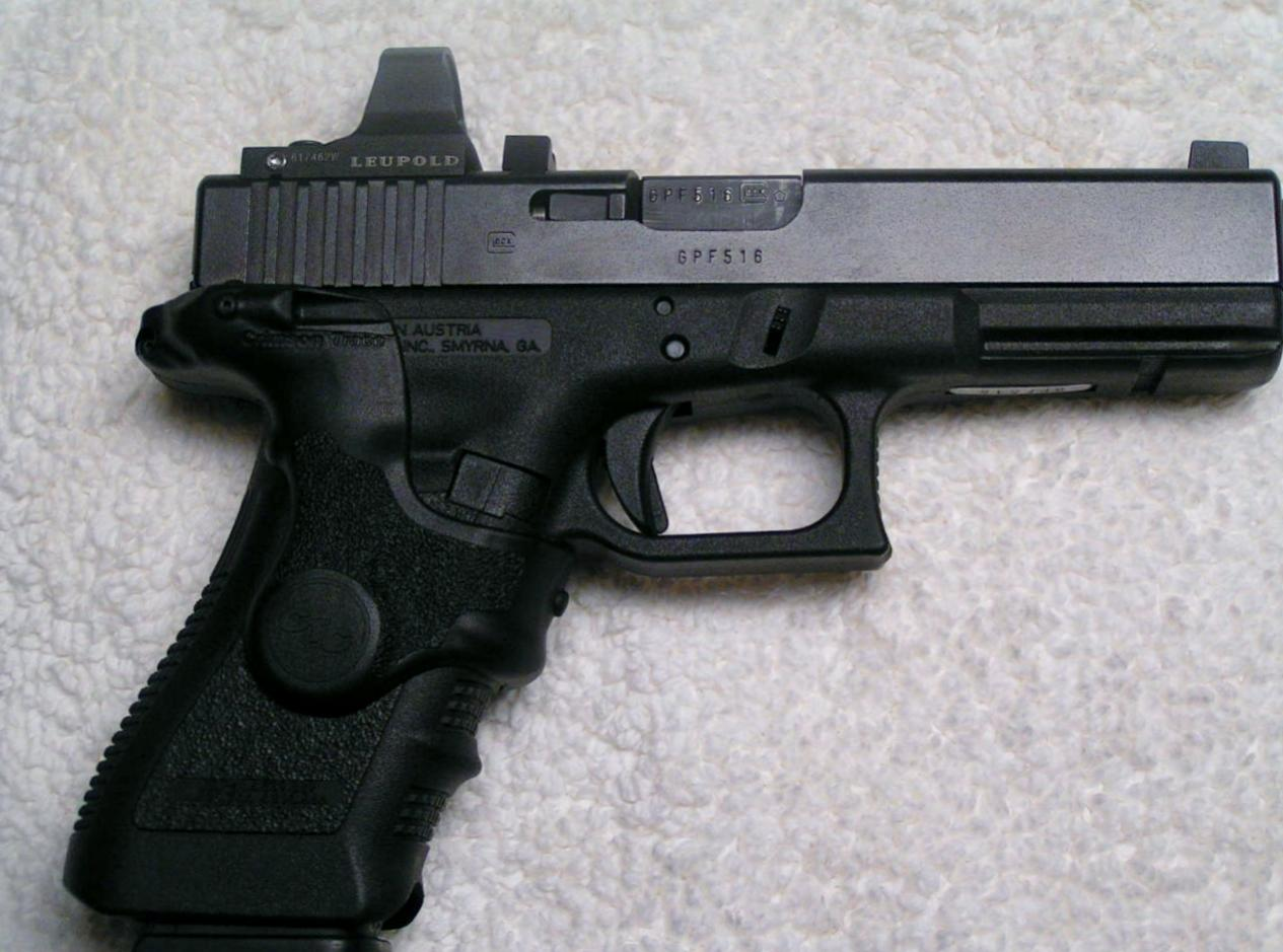 DeltaPoint- and Crimson Trace-equipped 3rd Generation Glock 17-pict0009.jpg