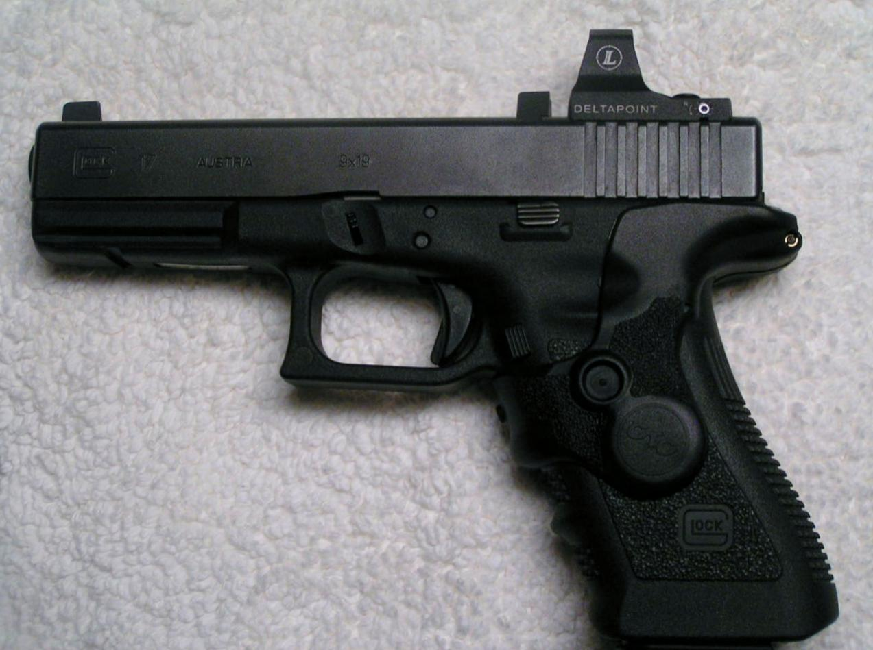 DeltaPoint- and Crimson Trace-equipped 3rd Generation Glock 17-pict0011.jpg