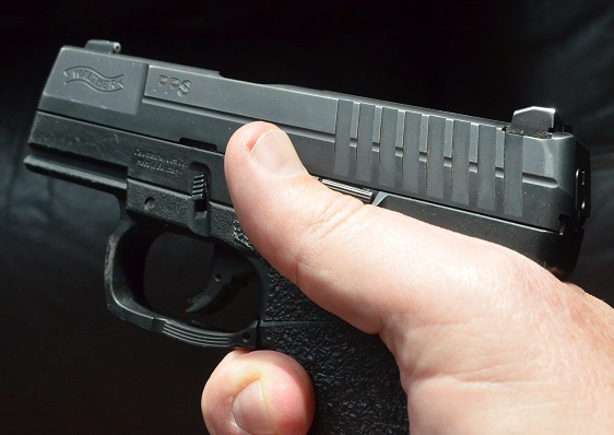 Picked up a gun I wasn't looking for-pps-thumb-indexed-against-stop.jpg