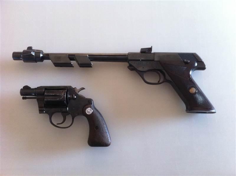 2 pistols, need some info please-quickshot-2012.05.16-19.36.28.jpg