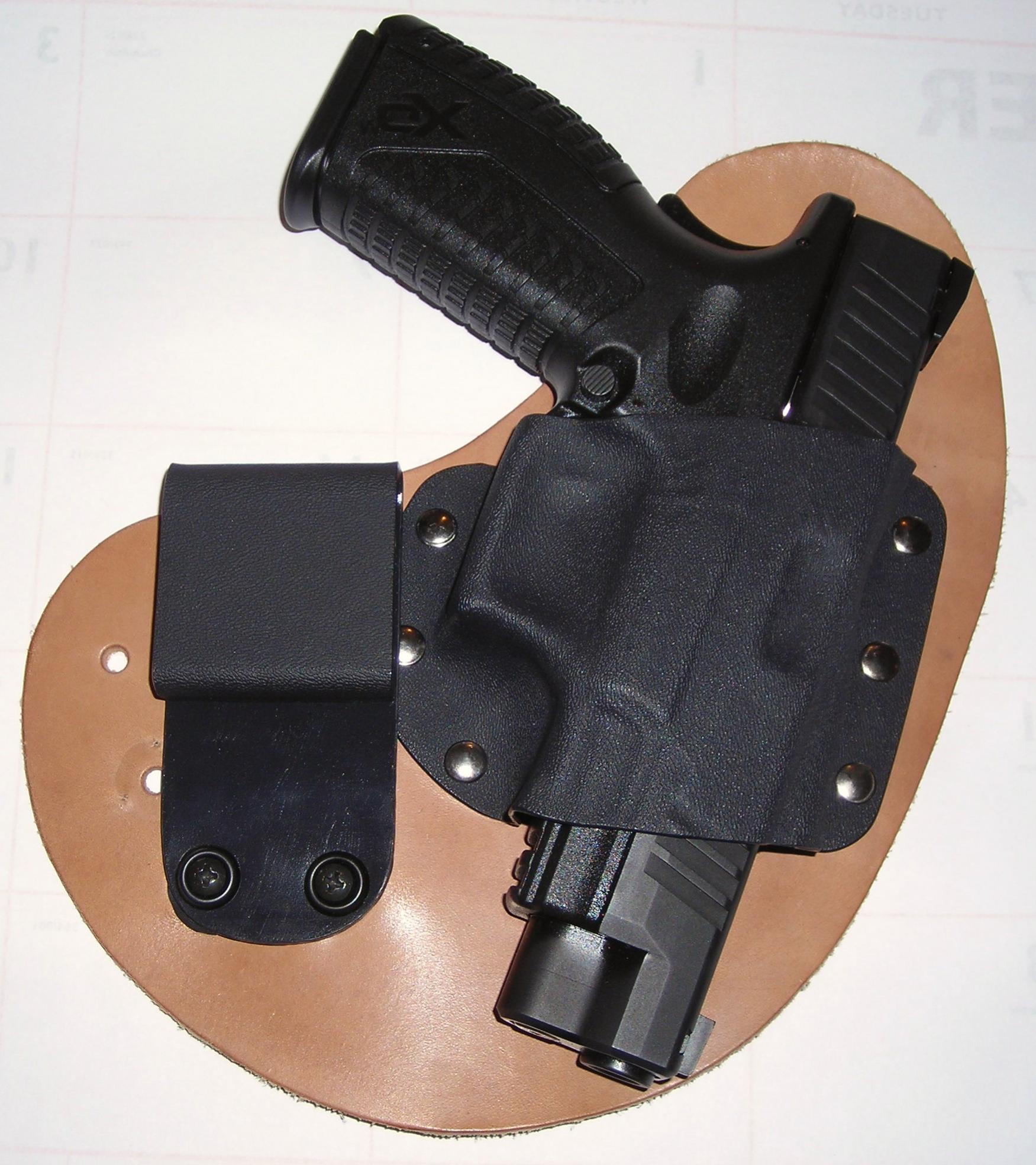 Crossbreed Holster (Quik-Clip Model)-quikclip-gun.jpg