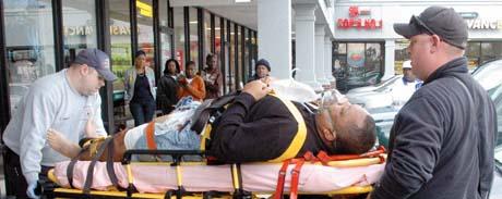 Guy shot himself in the fitting room (ND)-rose.jpg