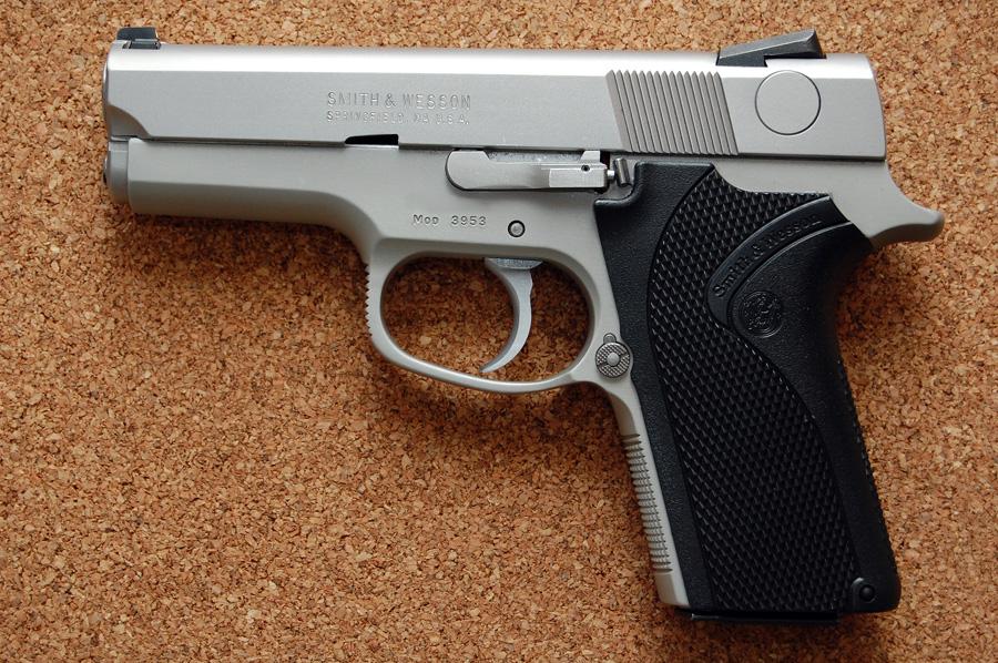No more DA/SA for me...Glock had it right, but S&W did it better!-s-w-3953l.jpg
