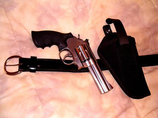Favorite or most comfortable gun to carry-s-w-686_uncle-mike.jpg