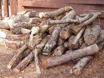 Properly stack your firewood for winter-s_im000329.jpg