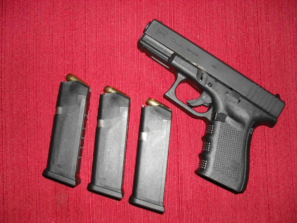 Went to the gun store to buy a 642-sdc10471.jpg