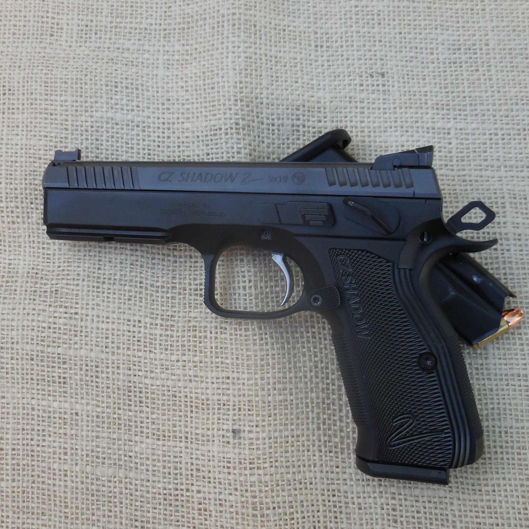 I'm in the CZ game now-shadow-2_1r.jpg