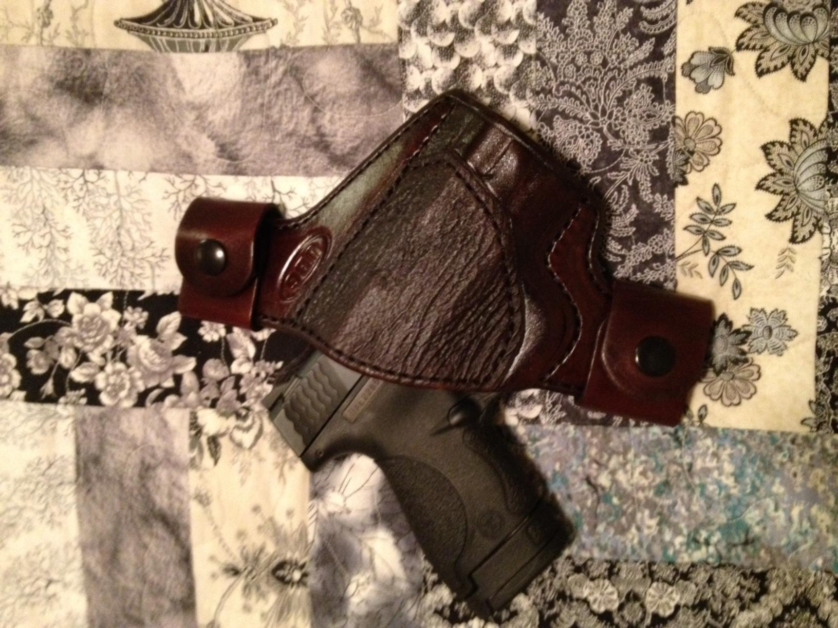 M&P Shield with new leather...-shieldubg.jpg