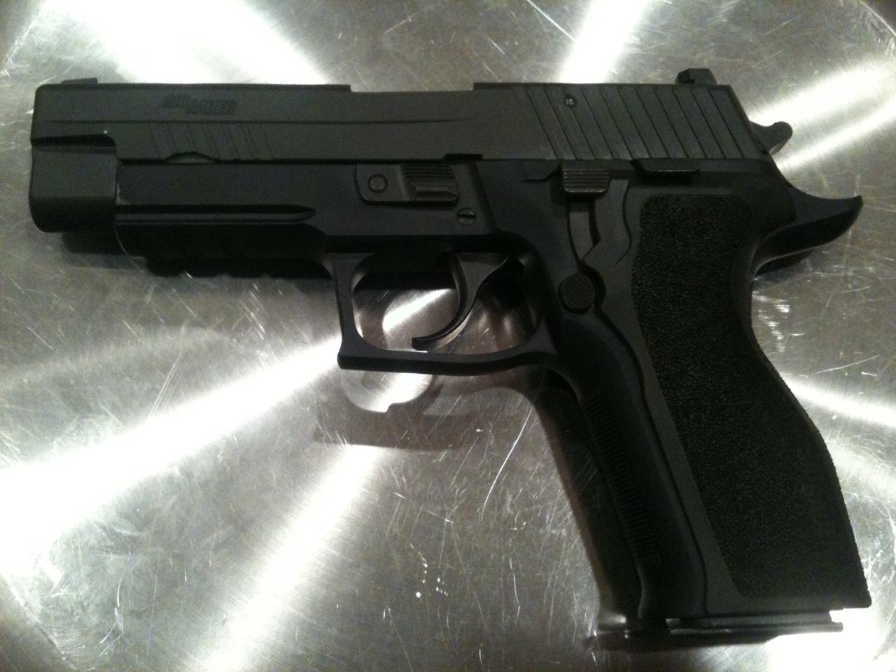 My new Sig: P226 Enhanced Elite in .40S&W-sig-p226.jpg