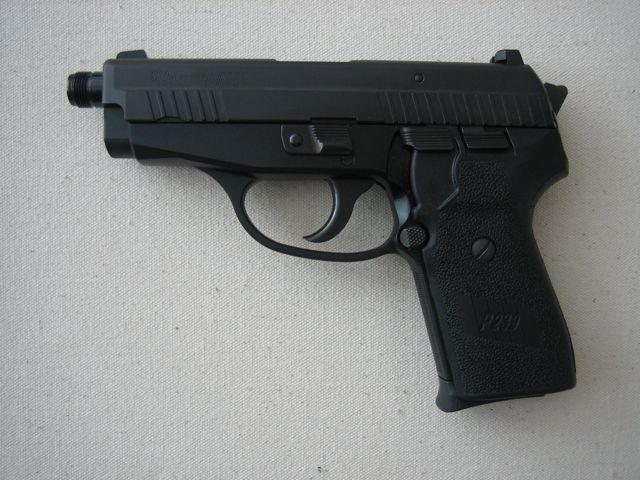 New Sig Sauer P239 Tactical-sigsuaerp239.jpg