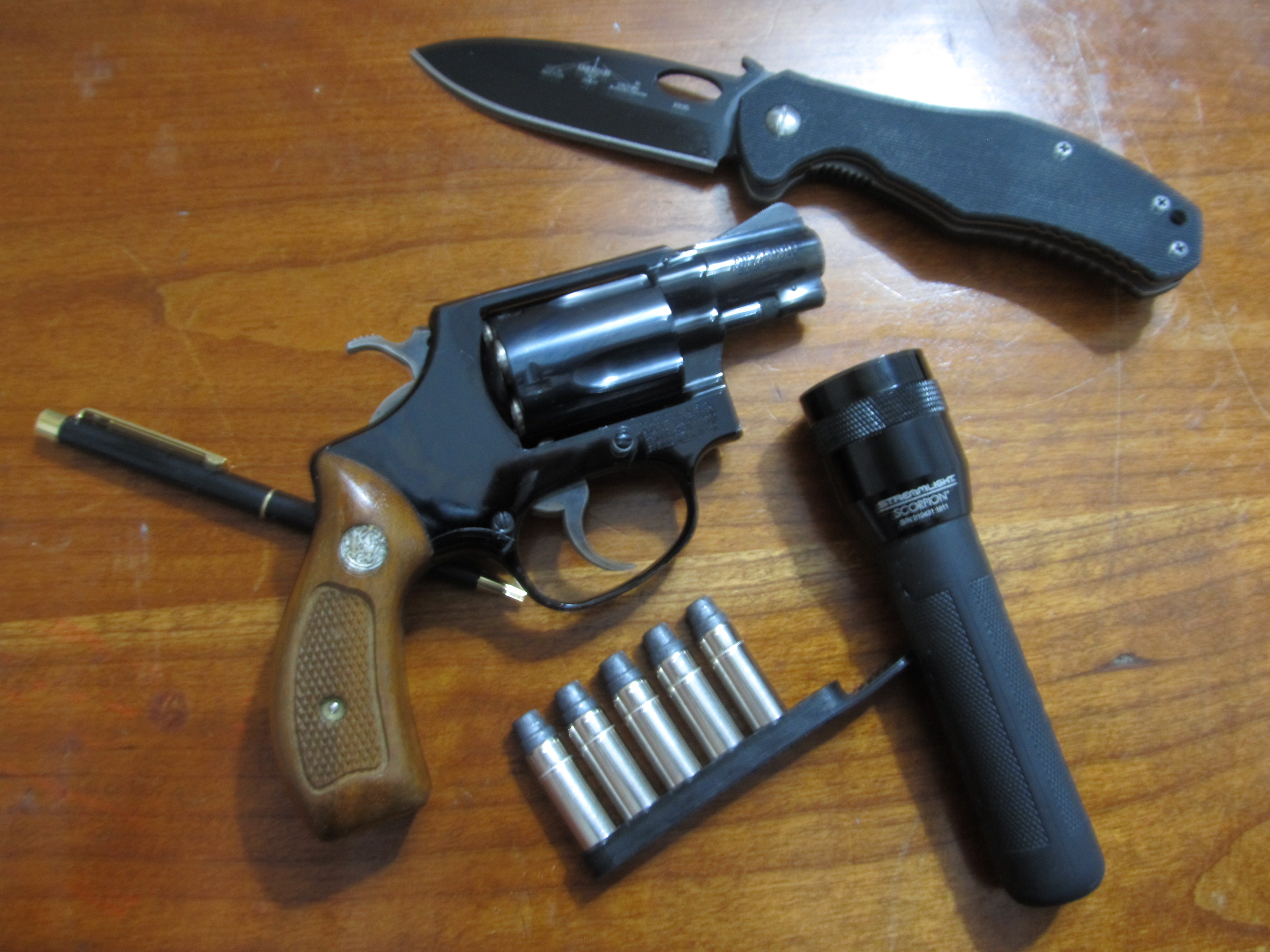 Guns and family history-smith-airweight-right-side.jpg