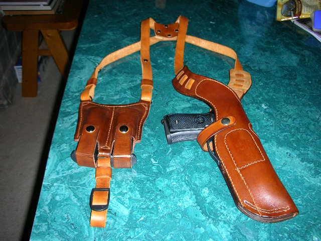 First post- remodelling shoulder holster-sscn1023_1.jpg