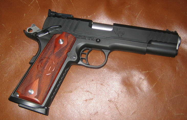 "The ""Official"" 1911 Thread-stit.jpg"