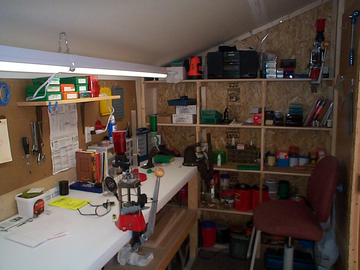 My super duty reloading bench - Pic heavy-storage-end.jpg