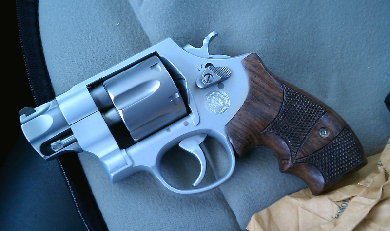 Strange round black marks found on most S&W Revolvers?-sw625.jpg