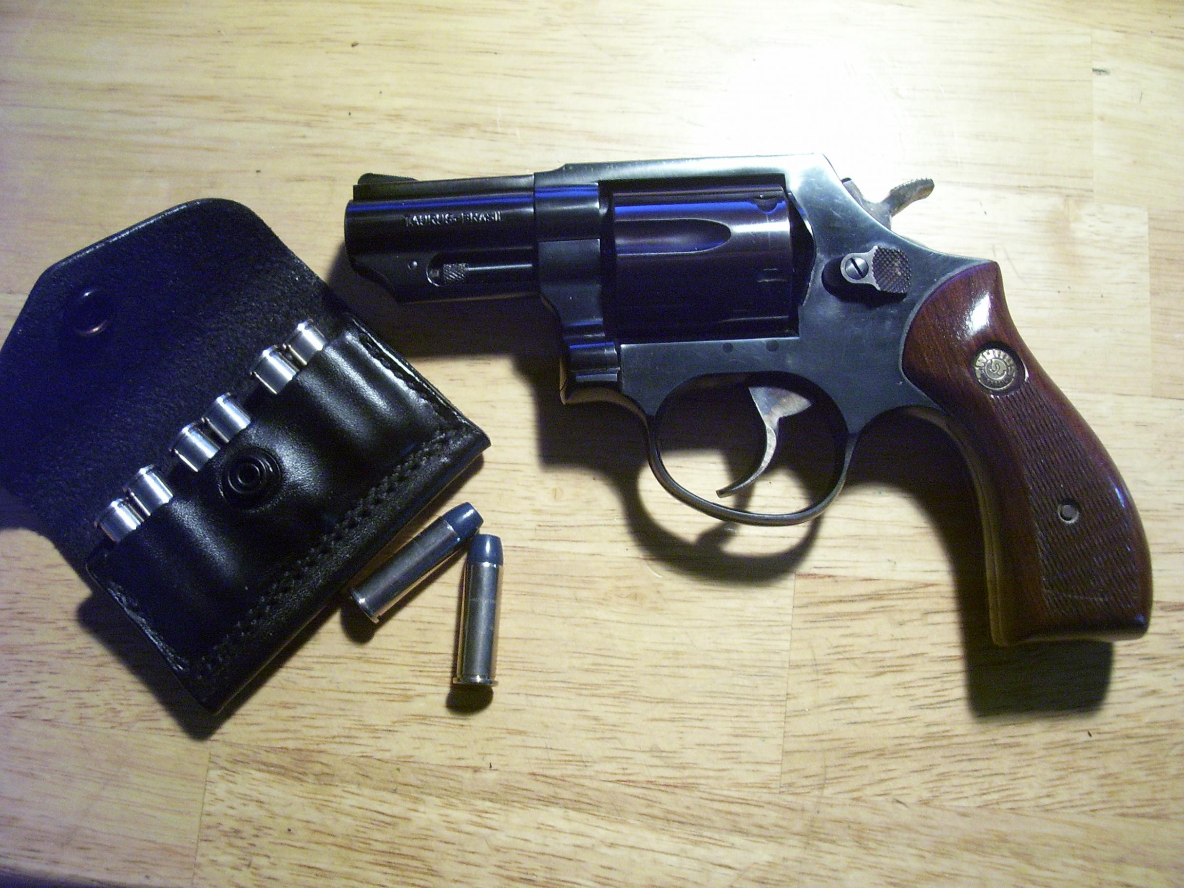 Searching for a horizontal magazine pouch, discreet for CCW on my belt....-taurus-65-.jpg