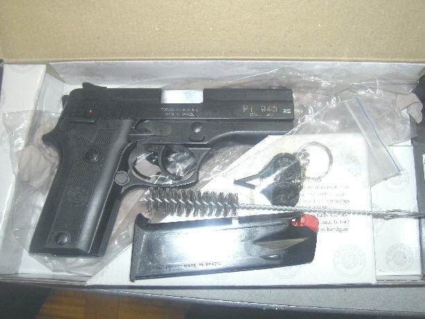 Roommate gun decision-taurus_pt940.jpg