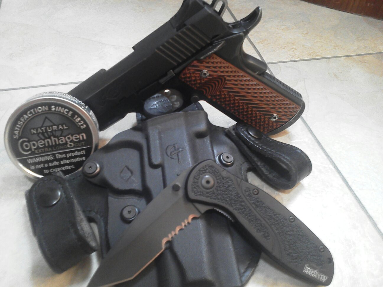 What do you carry everyday and how? Pictures and Discriptions only please!-uploadfromtaptalk1326110406630.jpg