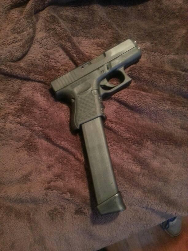 pistols with extended magazines-uploadfromtaptalk1386033288983.jpg