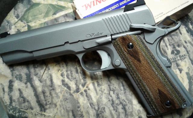 1911- the perfect shooting handgun-valor.jpg