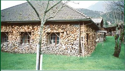 Properly stack your firewood for winter-wood.jpg